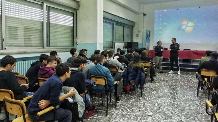 Happy Network incontra i ragazzi dell'Istituto Tecnico Marconi